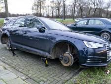 Dieven stelen wielen van Audi op carpoolplaats in Den Hout