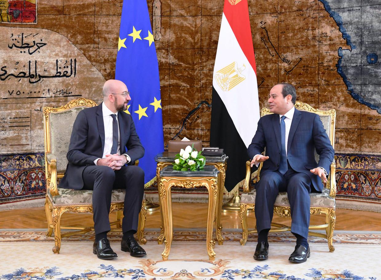 Charles Michel bij Egyptisch president Abdul Fatah al-Sisi in Caïro. Beeld EPA