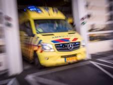 Scooter en auto botsen op Burgemeester Mijssingel in Gouda