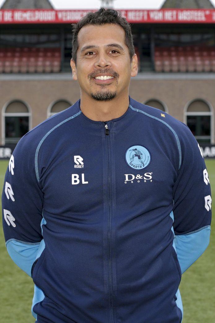 Bjorn Langeveld in zijn tijd als assistent-trainer bij de vrouwen van Sparta Rotterdam.