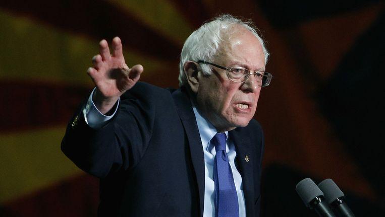 Sanders op een campagnebijeenkomst in Phoenix. Hij kan zwart Amerika moeilijk overtuigen om voor hem te stemmen. Beeld getty