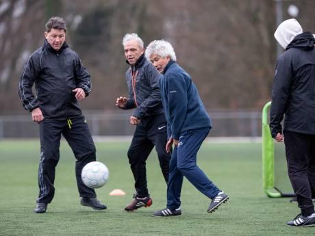 Oud-topsporters brengen ouderen in beweging: 'Bewegen is één, maar de social talk is ook belangrijk'