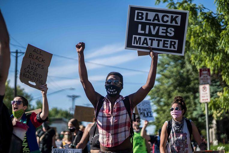 Demonstranten betogen tegen politiegeweld in Minneapolis. Beeld AFP