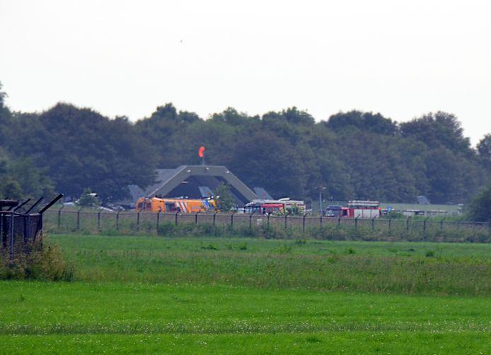 Hulpdiensten rukten massaal uit naar vliegbasis Leeuwarden.