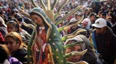 fotoreeks over Duizenden pelgrims herdenken verschijning van Nuestra Señora de Guadalupe