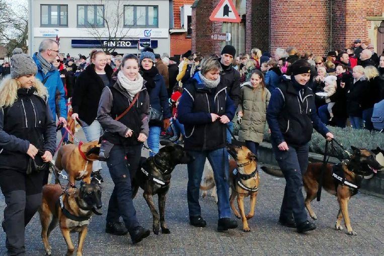 De patrouillehonden van politie Turnhout werden gezegend.