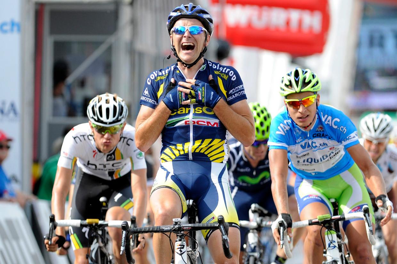 Borut Bozic (midden) reed mee in de twee verdachte Tours.Hij liep recent alsnog tegen een schorsing aan na het bloeddopingonderzoek. Beeld AP