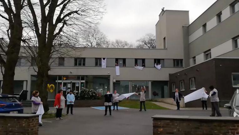 WZC Zonnestraal in Lennik wapperde met de witte lakens.
