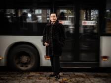 Maria (81) viel in optrekkende bus en wil Arriva aanklagen: 'De buschauffeur zei zich niets te herinneren'