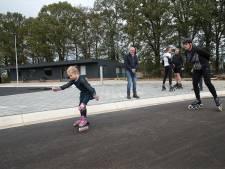 Eerste skeeleraars op supergladde Winterswijkse baan: 'Prachtig asfalt'