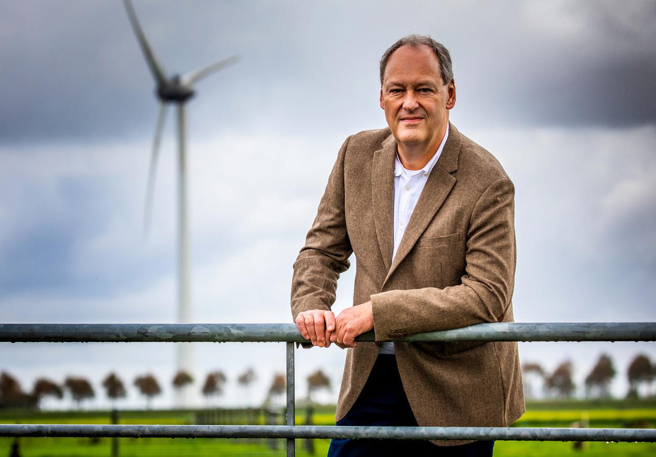 Advocaat Peter de Lange staat veel omwonenden van windturbines bij.