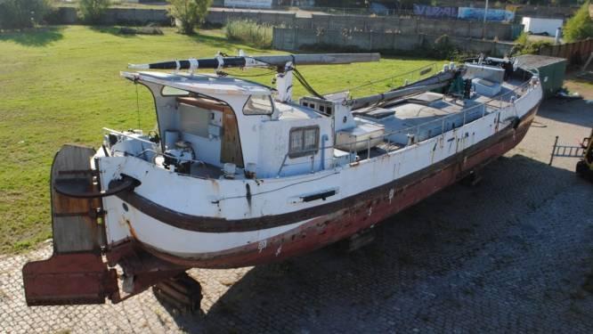Historisch schip Ortelius verhuist naar Doel voor restauratie