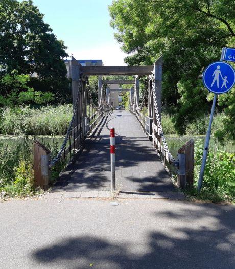Gemeente Utrecht vervangt voetgangersbrug tussen Jungfrau en Hebriden langs Oude Liesbosweg
