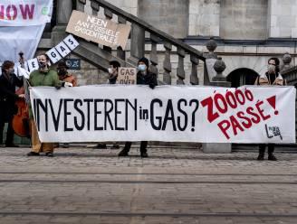 Klimaatactivisten protesteren aan kantoren van Groen en Ecolo tegen subsidies voor gascentrales