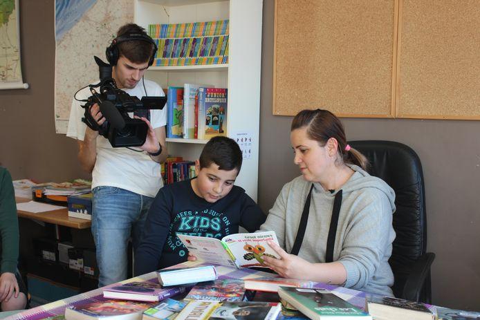 Er werd in basisschool Ring voorgelezen uit boeken in verschillende talen.