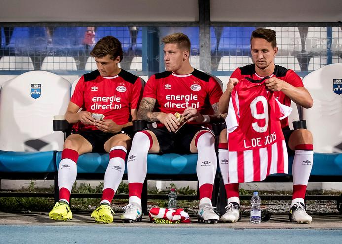 In Osijek ging PSV de bietenbrug op en dat kost PSV miljoenen.