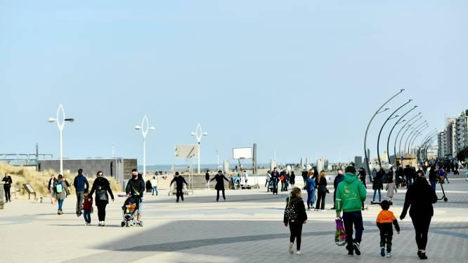 """Ook De Panne in trek bij toeristen dit weekend: """"We moeten leren omgaan met volk op straat"""""""