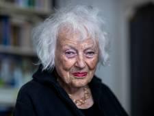Marjan Berk (88) doet - met pijn in het hart - honderd dozen vol boeken van de hand: 'Je hele leven komt aan je voorbij'
