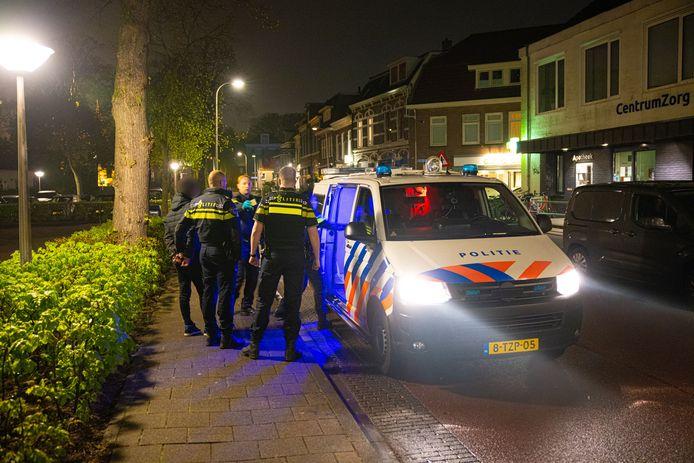 De politie doet onderzoek in Zwolle.
