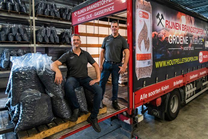 Pieter (links) en Henry, vierde generatie binnen een Tilburgs familiebedrijf, zijn beiden eigenaar van Rijnen Brandstoffen.