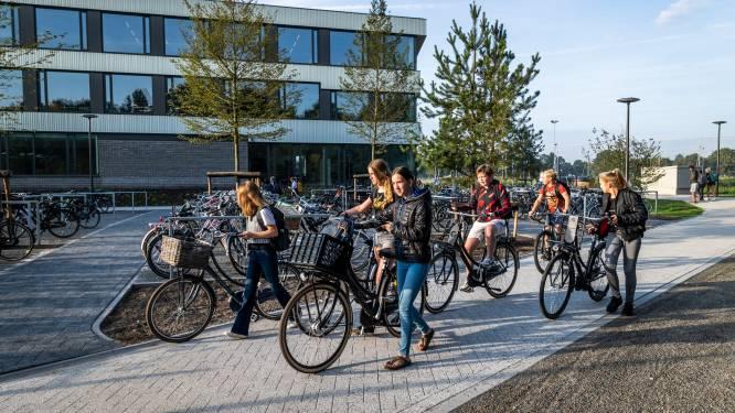 Knip past lesrooster aan na klachten over leerlingen die steeds heen en weer moeten fietsen