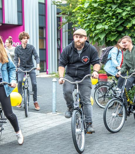 Cibap-studenten Zwolle pakken de gepimpte fiets in plaats van de bus