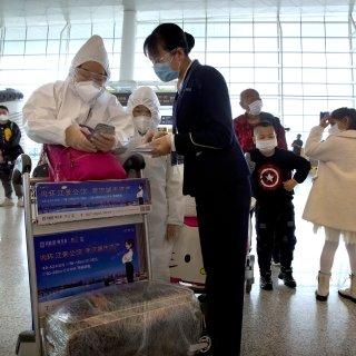 Er mag weer gereisd worden vanuit Wuhan: 'Eindelijk kan ik mijn familie weer zien'