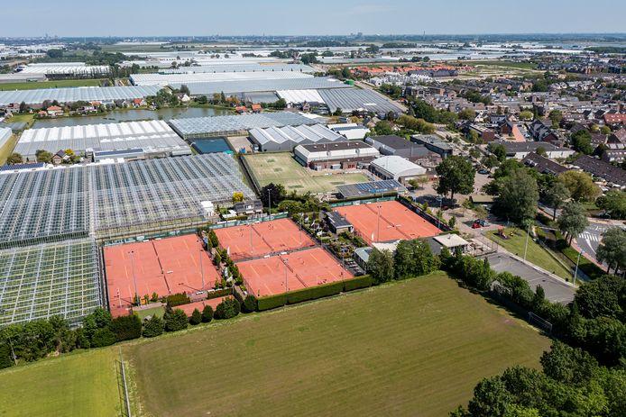 Veel Westlandse voetbalclubs hebben momenteel te kampen met slechte velden. Ook Lyra in De Lier.