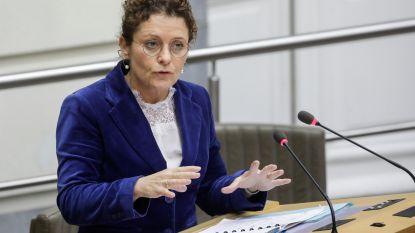 Vlaamse regering keurt overheveling in overwegendossier goed
