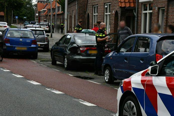Zeker twee auto's liepen forse schade op