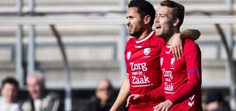 FC Utrecht pakt derde zege op rij bij zwak Roda JC, De Jong evenaart record