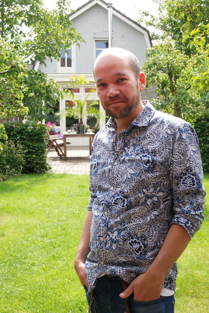 Arthur Portier runt een airbnb in de Annemoonstraat in Oss.