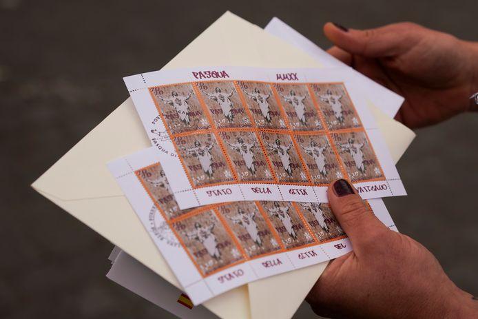 De afbeelding van Babrow werd gebruikt voor de paaspostzegels van het Vaticaan.
