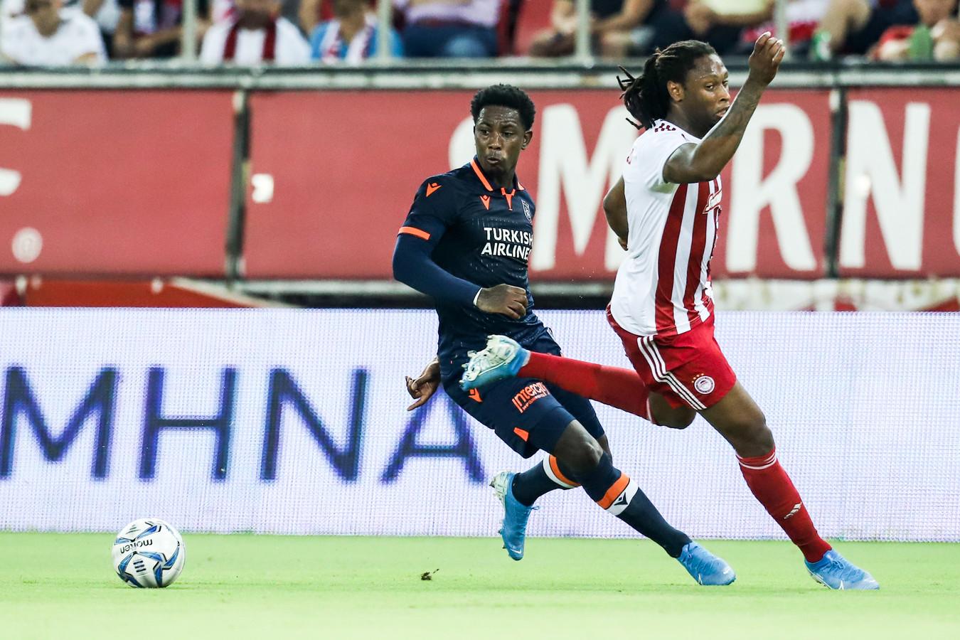 Eljero Elia in actie in het duel met Olympiakos.