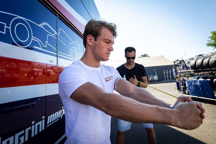 Amaury Cordeel in volle voorbereiding op de races in Hongarije.