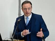 De Wever demande de lever l'interdiction des plexis sur les terrasses