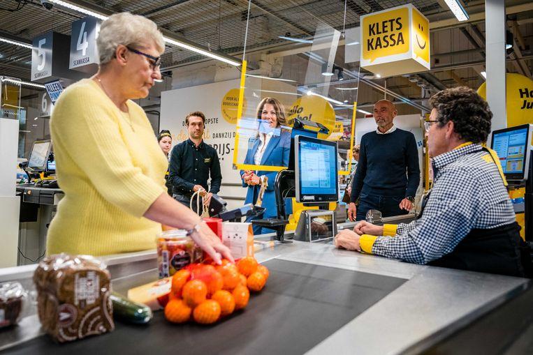 Opening van de kletskassa in een vestiging van Jumbo in het Nederlandse Udenhout. Beeld ANP