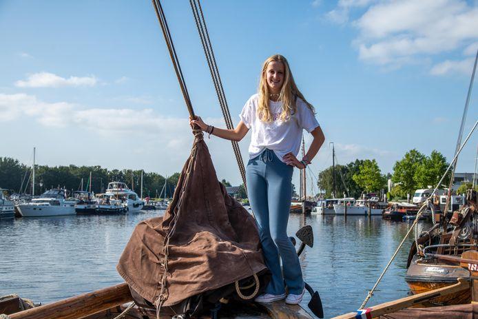 Eva Molleman (15) uit 't Harde gaat in oktober een half jaar zeilen naar het Caribisch gebied