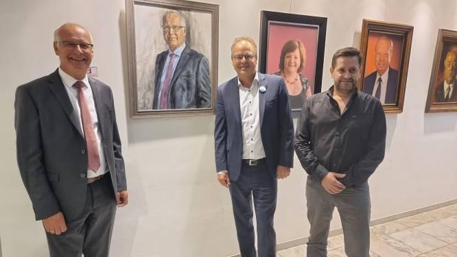 Ereburgemeester Luc Deconinck heeft voortaan portret langs 'wall of fame' in gemeentehuis