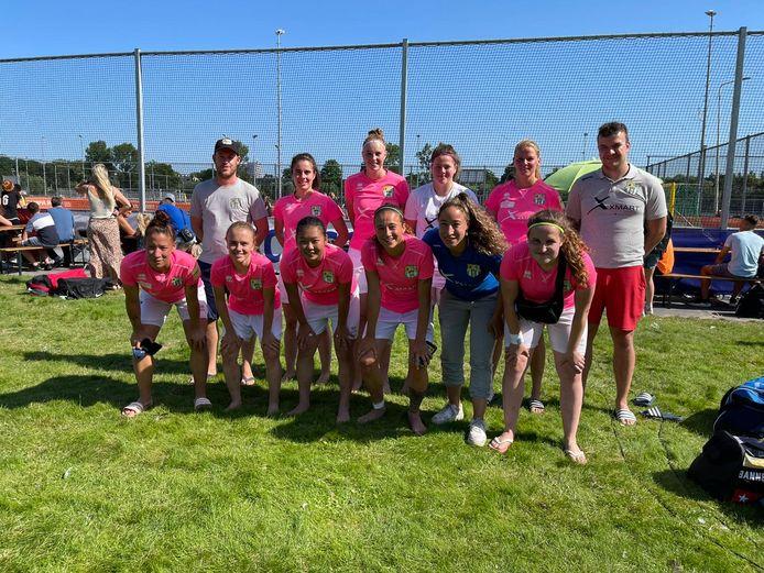 Het team van BSZ Ladies, dat in de finale van het NK met 1-0 van Libertas verloor.