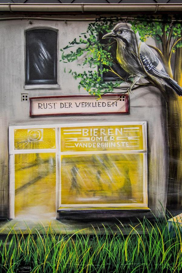 Café Rust der Werklieden, vroeger uitgebaat door de moeder van buurtbewoonster Veronique Hellin