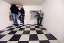 Het welbekende fotohokje in het Escher Museum.