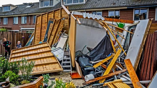 In beeld: tornado richt schade aan in Barendrecht