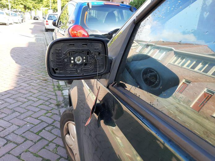 De Goirlenaar vernielde bij ruim veertig auto's de buitenspiegels.