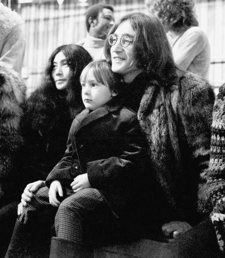 Vijf sterren voor The Ultimate Collection: 'Zo diep als John Lennon laten popmusici zich zelden in de ziel kijken'