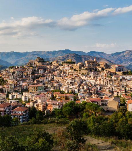 Ook dit Italiaanse dorpje verkoopt huizen voor 1 euro