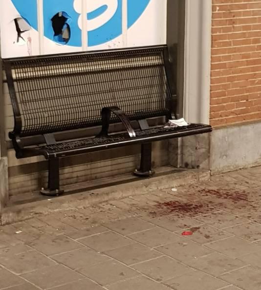 Op de plaats van aanhoudingen lag bloed.