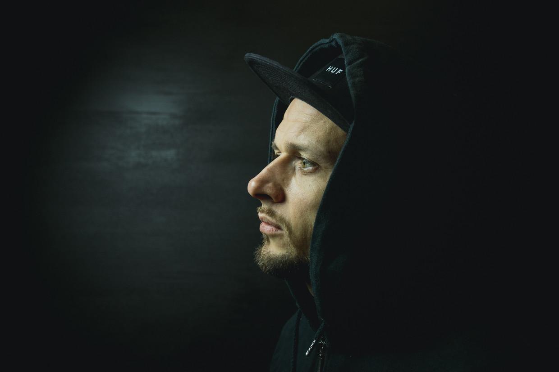 Chillow lanceert zijn eerste single 'Slapeloas'. Beeld CATHARSIS PRODUCTIONS WB / Lewis Premeh