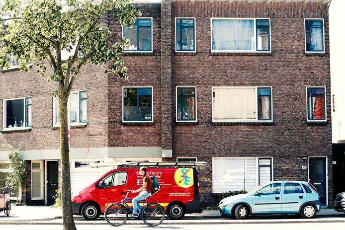 Kluizenaar Adrie lag drie weken dood in zijn bovenwoning aan de Vleutensweg.