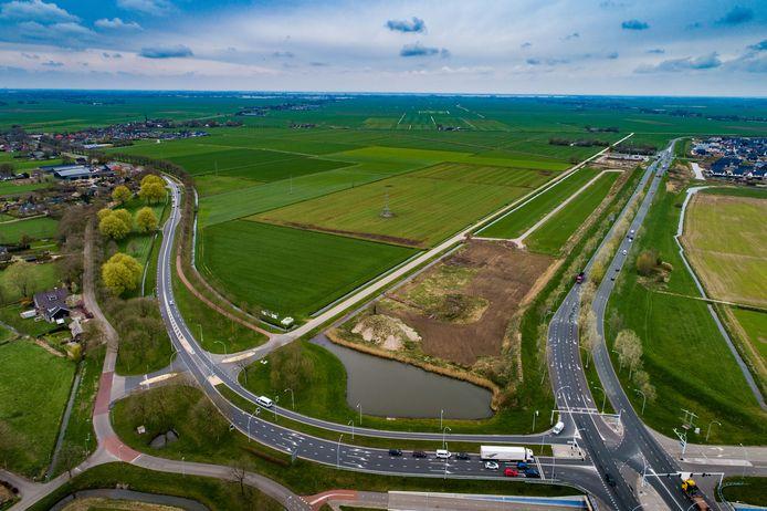 Rechts de Hasselterweg met links parallel daaraan de Scholtensteeg, waar het allemaal om draait. Uiterst links 's Heerenbroek.
